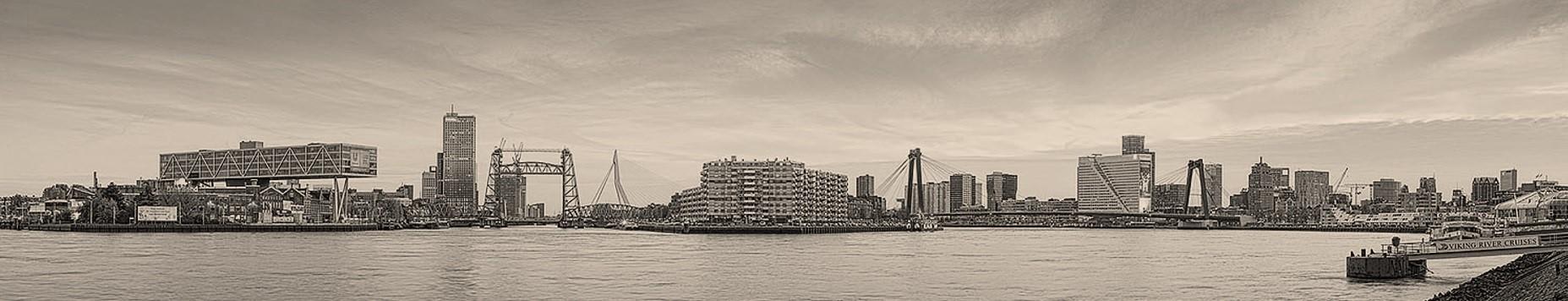 DKVM Vastgoeddiesnten Skyline Rotterdam